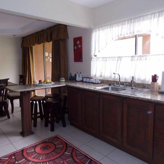 Casa Segura En Condominio Elegante En San Pablo De Heredia
