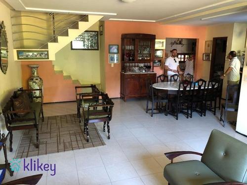 Imagem 1 de 30 de Casa Para Vender Com 3 Quartos, 200m² - Cidade Dos Funcionários - 60730
