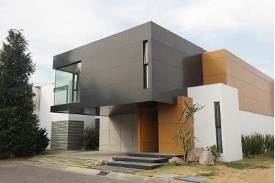 Residencia En Venta Cerca De Costco Metepec