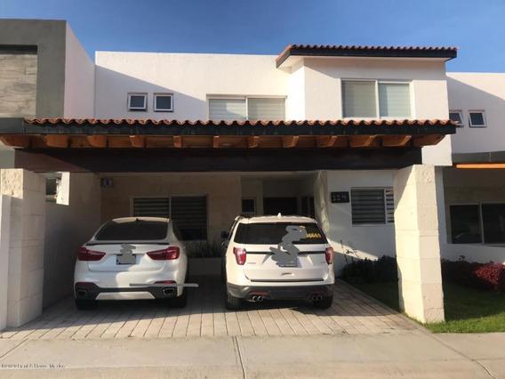 Casa En Venta En Lomas De Juriquilla, Queretaro, Rah-mx-21-858