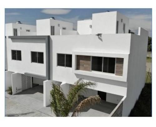 Casas Nuevas En Venta. Conjunto Cerrado, Zona Cholula.