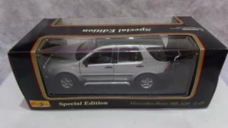 Mercedez Benz Ml 320 - Carro A Escala De Metal 1/18