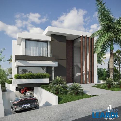 Casa Em Condomínio - Tamboré - Sp - 629560