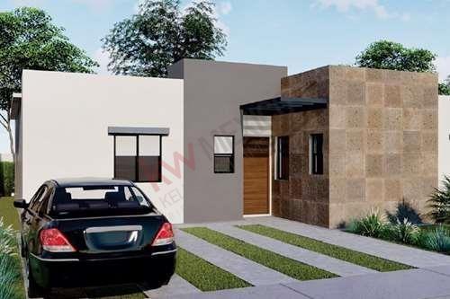 Venta De Casa En Alcorce Del Bosque. Casa Funcional Y Privada En Zona Hacia Donde Va El Desarrollo De La Ciudad.
