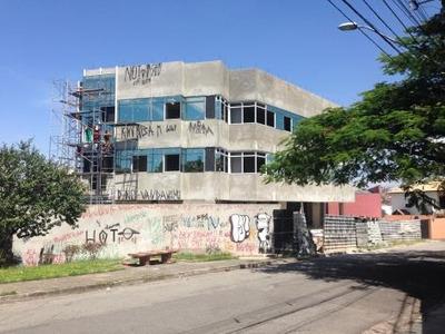 Pq Renato Maia - Salas Comerciais - Loc135