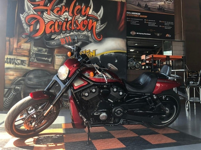 Harley Davidson V-rod Night