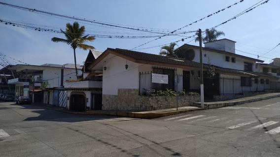 Local Comercial En Esquina Con Terraza, Calle 24 Av. 9 Bis