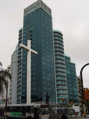 3 Cruces Espectacular Apto Consultorios Frente Cruz Papa