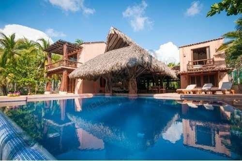 Venta Espectacular Residencia De Lujo Frente Al Mar - Zihuatanejo Us$1,600,000.00