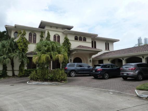 Casa En Venta Las Begonias #19-3285hel** En Costa Del Este