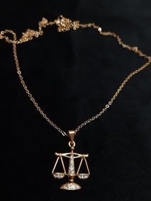 Colar Do Direito Folheado A Ouro 18k Com Pedrinhas De Strass