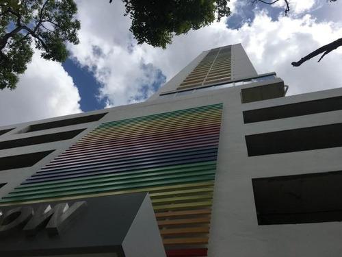 Venta De Apartamento Amoblado En Rainbow, El Carmen 18-4238