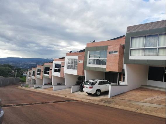 Se Vende Casa En Urb Privada El Solar De La Castellana
