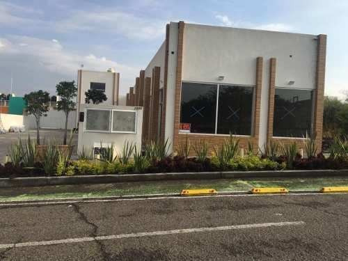 En Ciudad Del Sol, Plaza Comercial Con Autolavado, 5 Locales