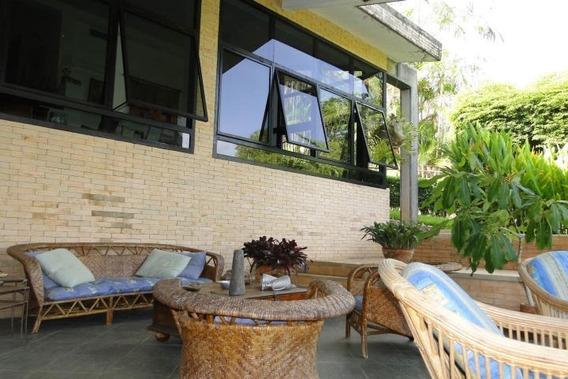 En Venta Casa Guataparo Country Club. Cod 306000 Thayda M.
