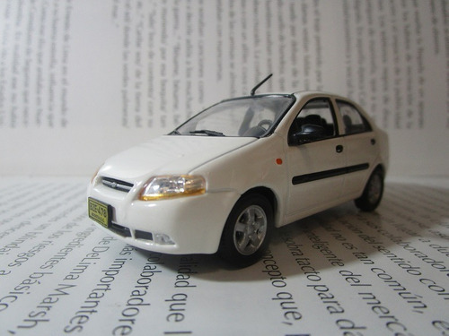 Chevrolet Aveo Escala 1/43 Coleccion 10cm Largo Metalico