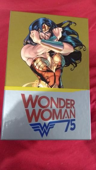 Wonder Woman 75 Anniversary Box Set Varios