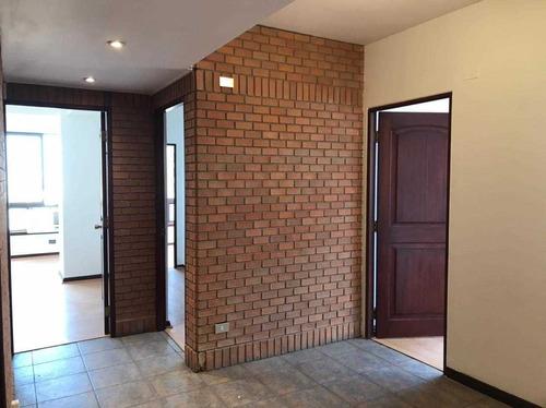 Hermosa Oficina En Edificio Forum Incluye 2 Estacionamientos