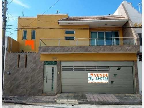 Casa Sola En Venta Col. Graciano Sanchez
