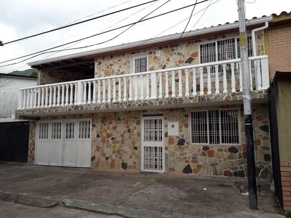 Casa Pirineos 2 San Cristobal