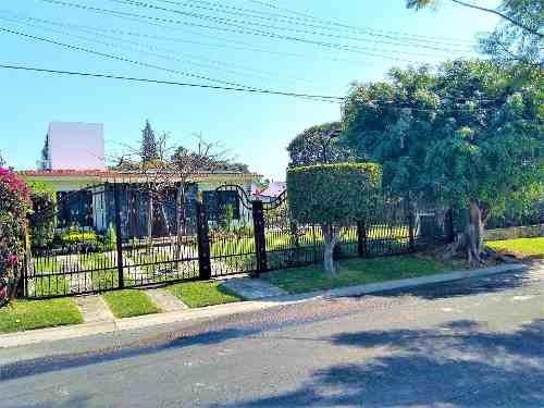Casa Con Gran Alberca, Jardín , Aire Acondicionado, Lujo