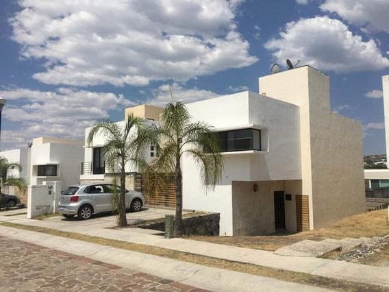 Casa En Renta En Cumbres Del Lago, Queretaro, Rah-mx-21-2478