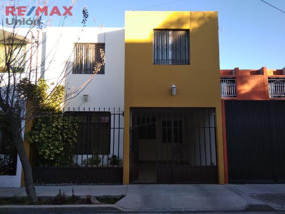 Casa En Venta En El Fracc. Educación Los Alamos