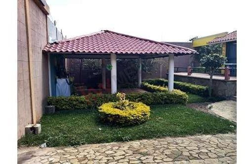 Casa En Venta De Un Nivel Con 574 M2 De Terreno En Berriozabal
