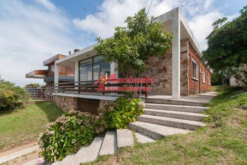 Casa De 3 Dormitorios A 250m De Playa Mansa, Punta Del Este - Ref: 6281