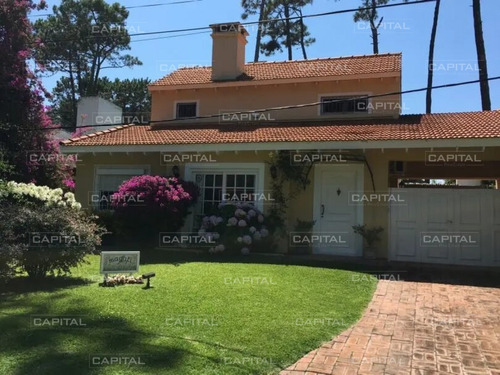 Casa En Alquiler Punta Del Este San Rafael Cuatro Dormitorios- Ref: 25210