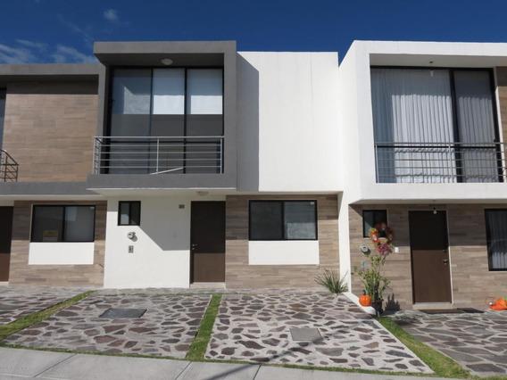 Casa En Renta En El Refugio, Queretaro, Rah-mx-21-221