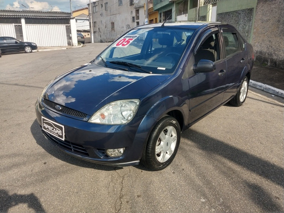 Ford Fiesta Sedan 1.6 Flex 4p 2005 Completo - Ar