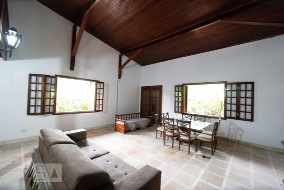 Casa Mobiliada Com 3 Dormitórios E 6 Garagens - Id: 892990040 - 290040