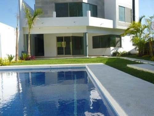 Se Vende Residencia Moderna En El Fraccionamiento Burgos