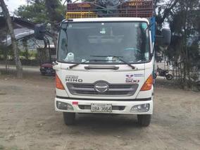 Hino Camión