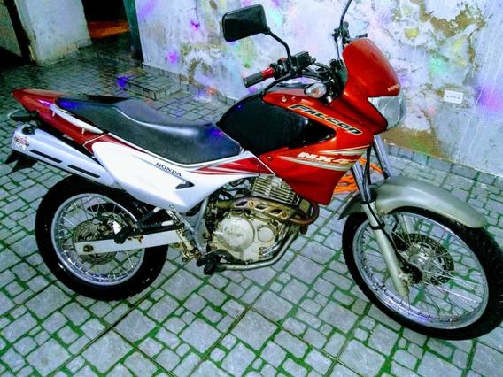 Honda Nx4 400 Cilindradas