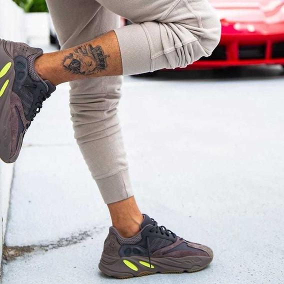 adidas Yeezy Boost 700. Originales
