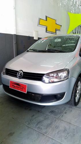 Imagem 1 de 10 de Volkswagen Fox 2011 1.0 Vht Total Flex 5p