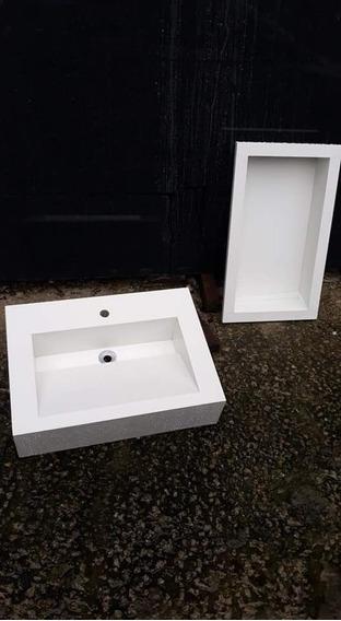 Nicho E Lavatório Em Porcelanato Branco