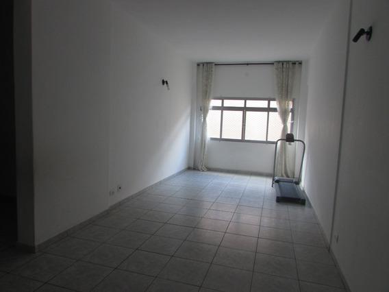 545- Apartamento À 300 Metros Da Praia, Localizado Centro.