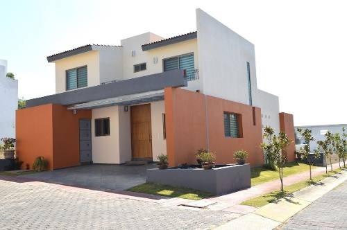 Casa 4 Habitaciones Los Robles En Zapopan