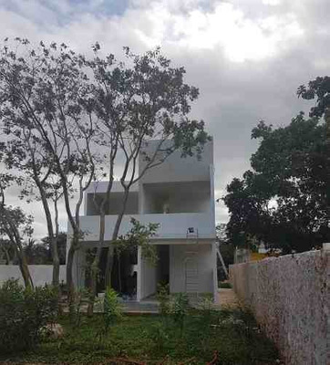 Amplia Casa En Pre-venta En Patio Central Conkal , Con Excelentes Acabados