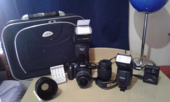 Câmera Fotográfica Nikon Dslr D3000, Acompanha Acessórios.