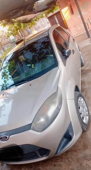 Ford Fiesta Max Ambiente Plus. 2011
