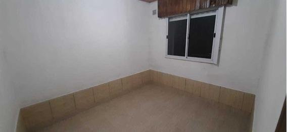 Alquilo Monoambiente Cerca De Estacion Varela