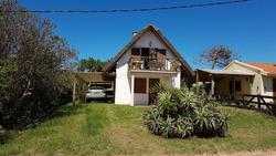 Preciosa Casa En Punta Del Diablo - Libre A Partir Del 7/1