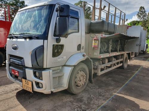 Ford Cargo 1723 4x2 Ano 2014 Comboio Gascom  6.000 Litros