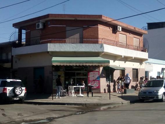 Excelente Propiedad, 4 Deptos Y Un Local. Solano. Quilmes