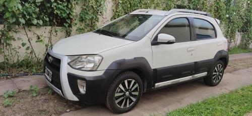 Toyota Etios 1.5 Cross 2014