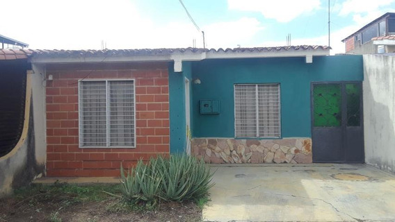 Casa En Venta El Cuji Mls 19-19609 Rbl